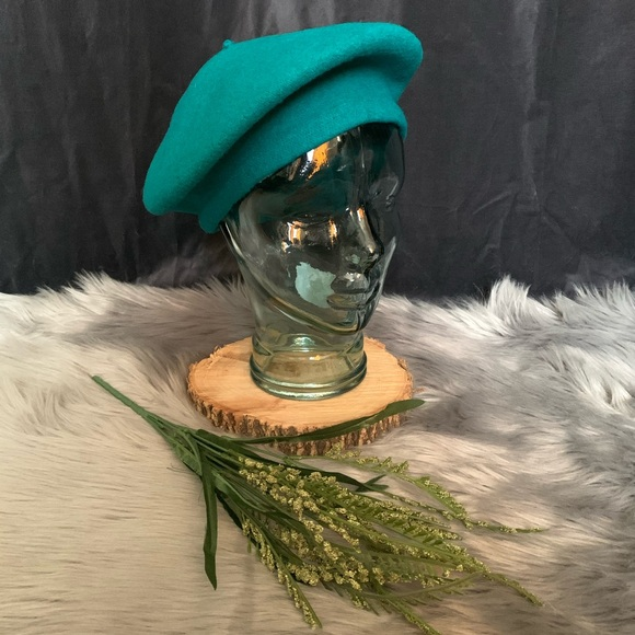 Vtg teal wool satin lined French beret